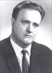 Проф. Иван ТОЛЕВ Декан на МФ към МА 1973 – 1977 г.