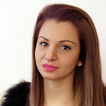 Яна Котова
